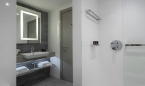 Bathroom-Clayton-Charlemont