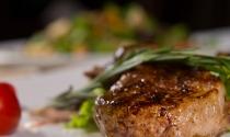 Steak-Close-Up-Dining-Food-Clayton