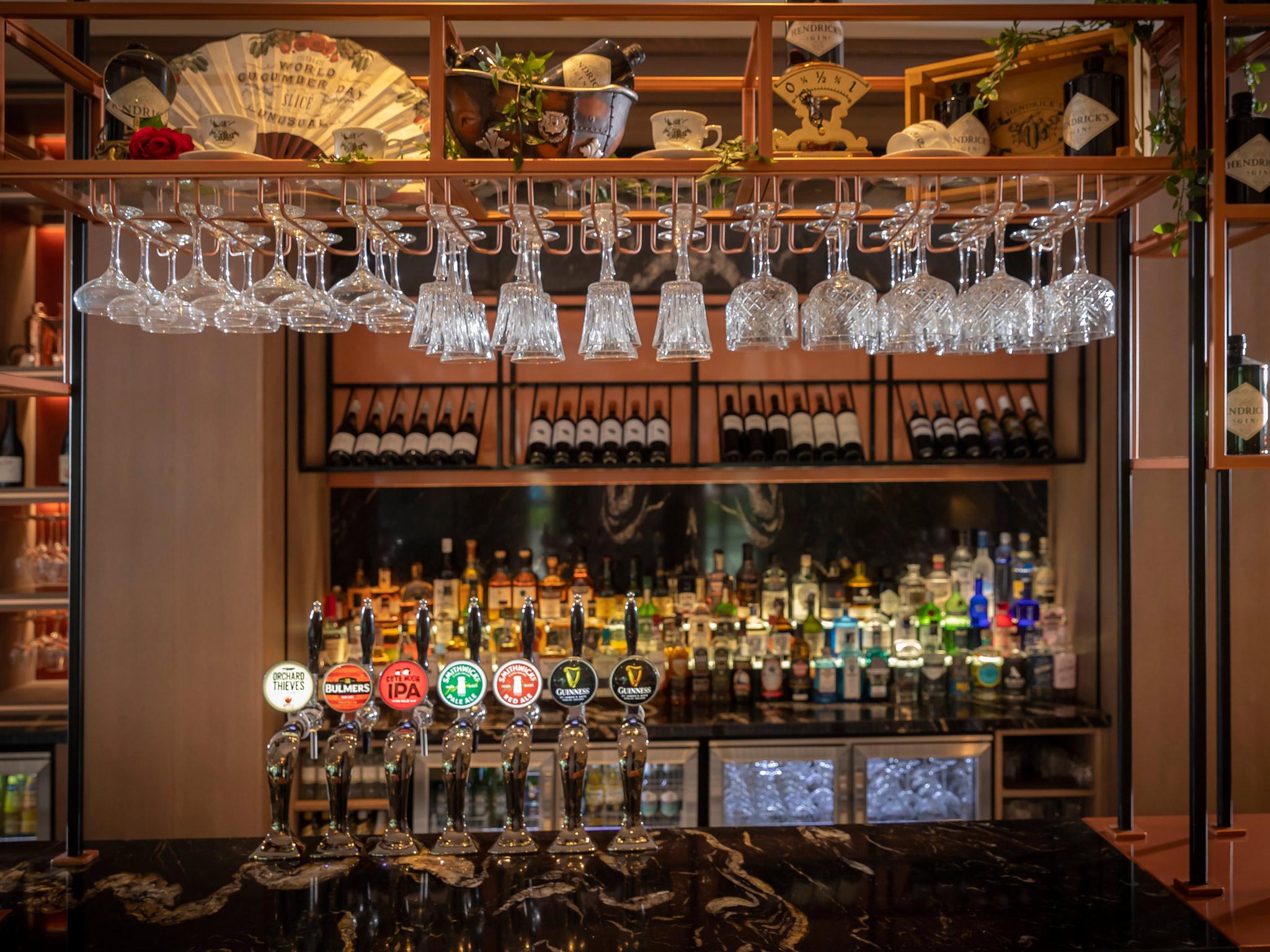 Bar Clayton Charlemont